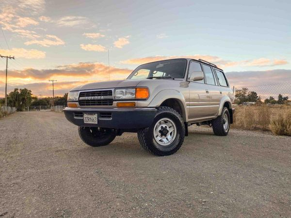 Fully Loaded 4x4 1992 Toyota Land Cruiser