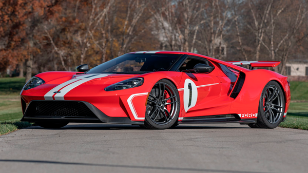 Throwback 2018 Ford GT 1967 Heritage Edition