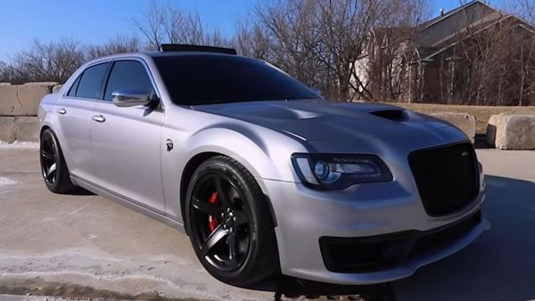 Chrysler 300 Packs A Hellcat Punch