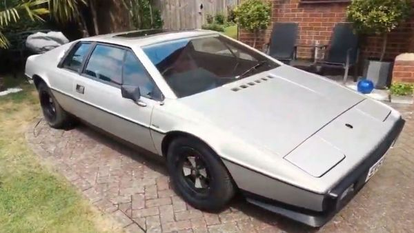 Barn Find Lotus Esprit S2 Boasts Low Miles