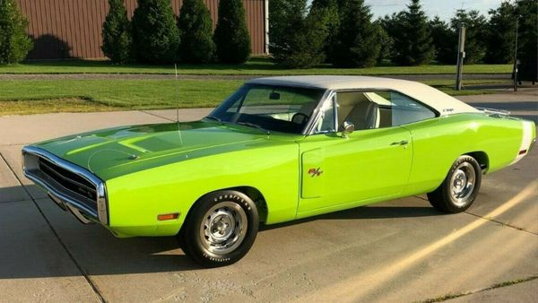 eBay Find: Beautiful 1970 Dodge Charger R/T
