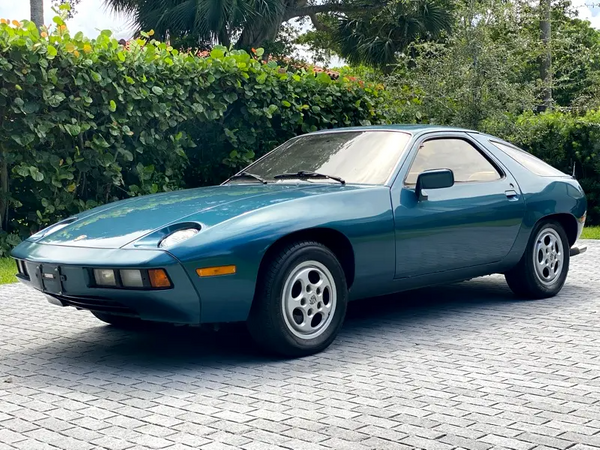 1980 Porsche 928 Stays With One Owner Many Years Later